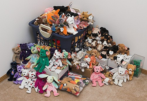 467c0ed7b77 The first collectible craze that I was old enough to be aware of was the Beanie  Baby mania of the 1990s. I knew one woman—a mother of two little boys who  ...